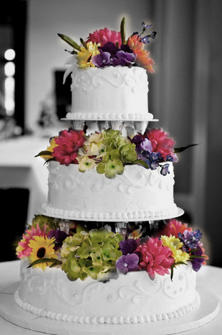A Vegan Wedding Cake Eals To Many For Myriad Of Reasons You Don T Have Be Enjoy It S Great Choice The