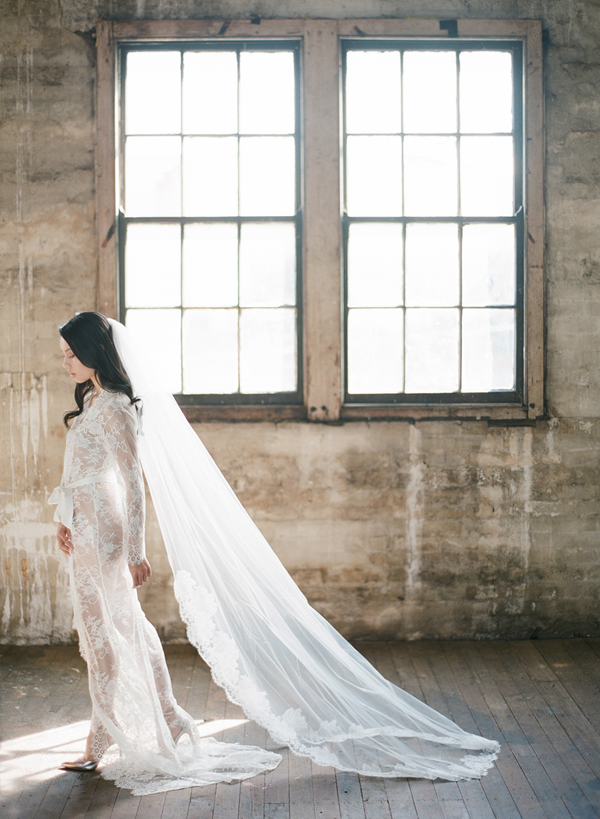 full-length-lace-wedding-veil-livlundelius-hair-makeup-makeupartist