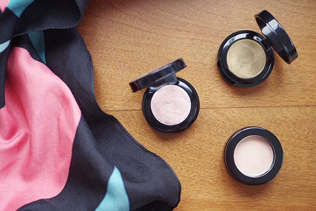 au naturale creme eye shadow review liv lundelius sydney green makeup artist